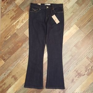 Levis Mid Rise Boot Cut Skinny Jeans 12 M 31